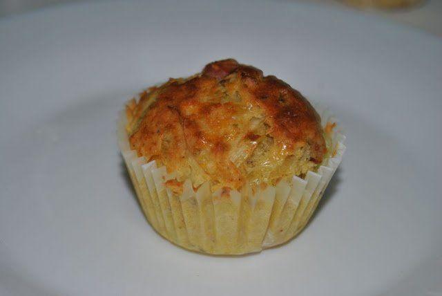 Muffins salados de bacon, queso y puerro