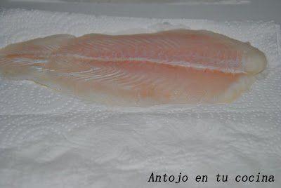 con papel de cocina secamos muy bien el pescado