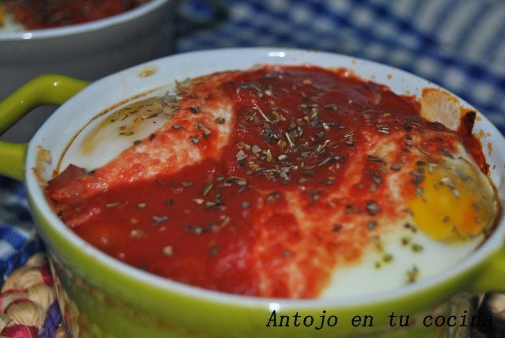 Huevos {a mi manera} con puré de patata al ajo