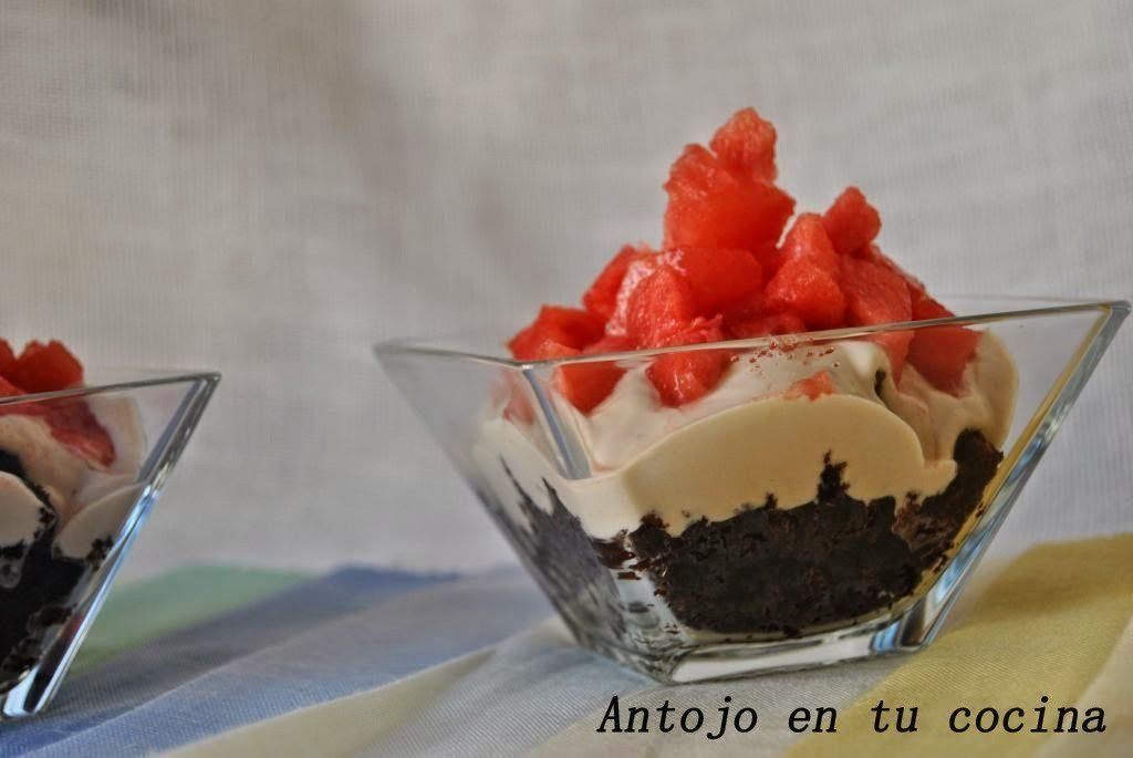 Copa de chocolate y sandía tres texturas