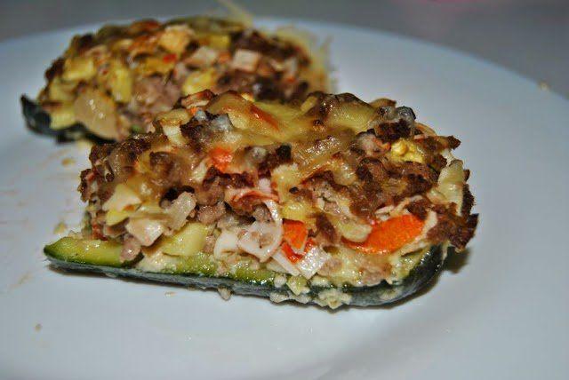 Calabacines rellenos de carne y surimi