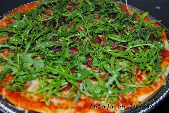 Pizza de jamón serrano y rúcula + 4 posibles masas