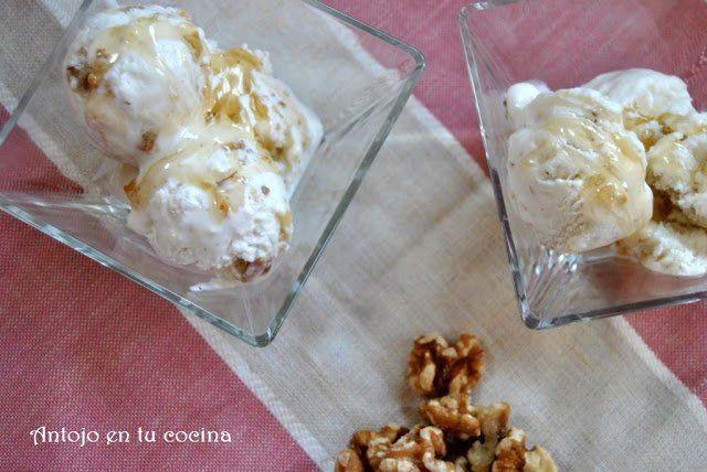 Helado de yogur con miel y nueces
