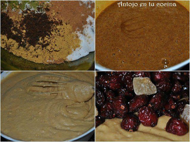 mezclamos las especias con la harina. Batimos los huevos con el azúcar y la melaza. Combinamos el contenido de ambos boles.