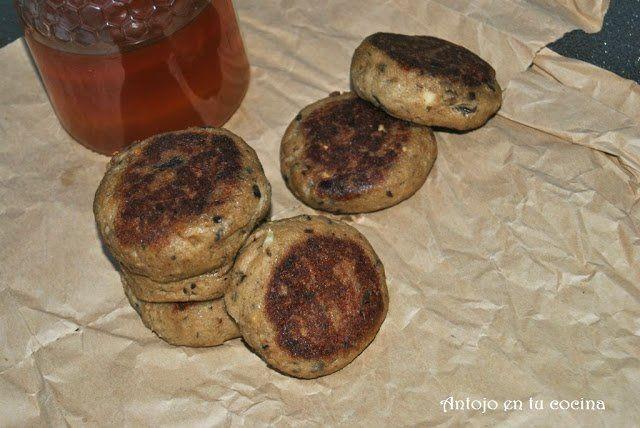 hamburguesas vegetales de berenjena aliñadas con miel