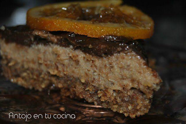 Tarta vegana de dátiles, frutos secos y chocolate