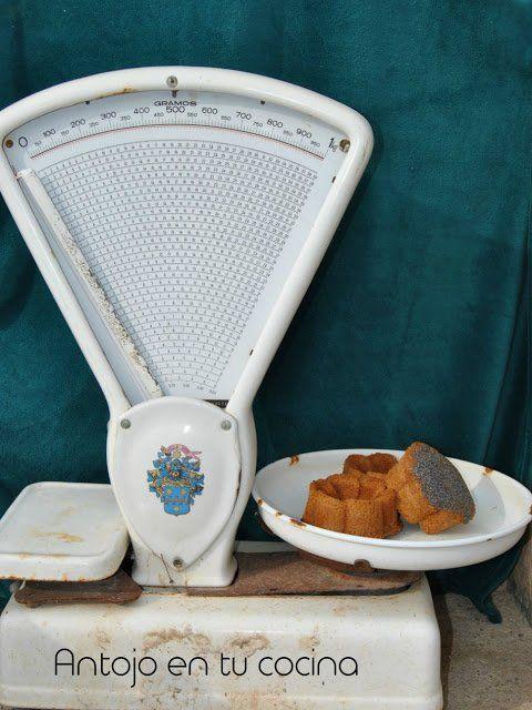 Bizcochos de limón y camomila, con crujiente de semillas de amapola y nata a la frambuesa {bizcocho sin leche}