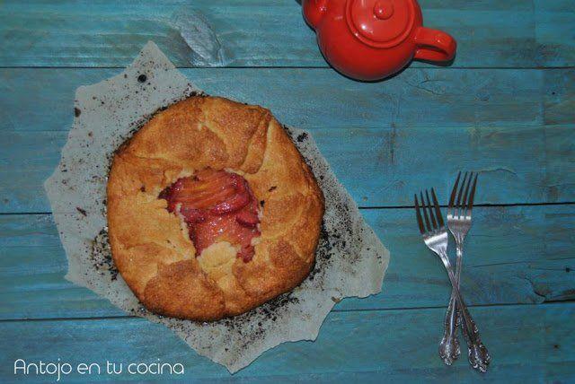 Mango and strawberries galette with crisp corn crust