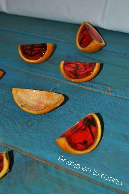 Chupitos de gelatina: ron, fresa y albahaca