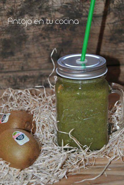 Batido verde de kiwi, pera y lechuga