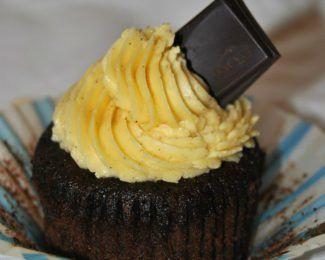 Cupcakes de chocolate con lacasitos de chocolate blanco {sin gluten}