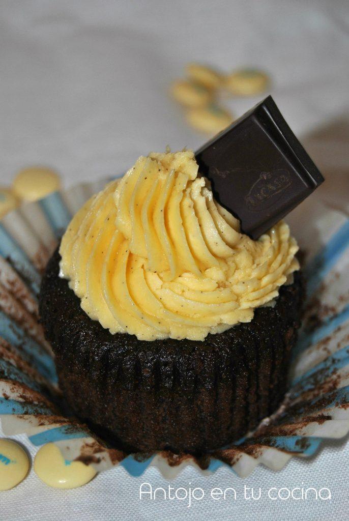 cupcakes chocolate lacasitos blancos