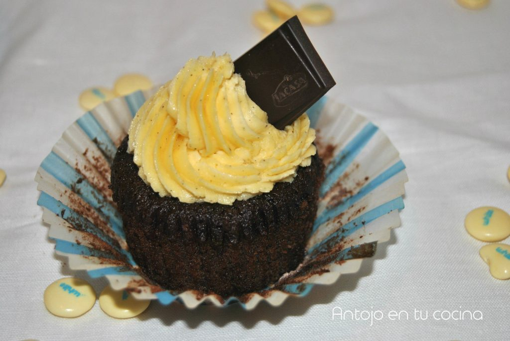cupcakes chocolate lacasitos blancos