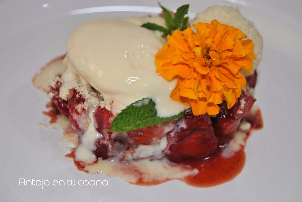 tartar fresa y helado de chocolate blanco