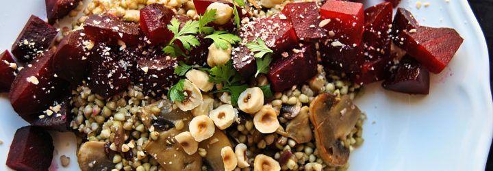 Ensalada templada de trigo sarraceno con remolacha