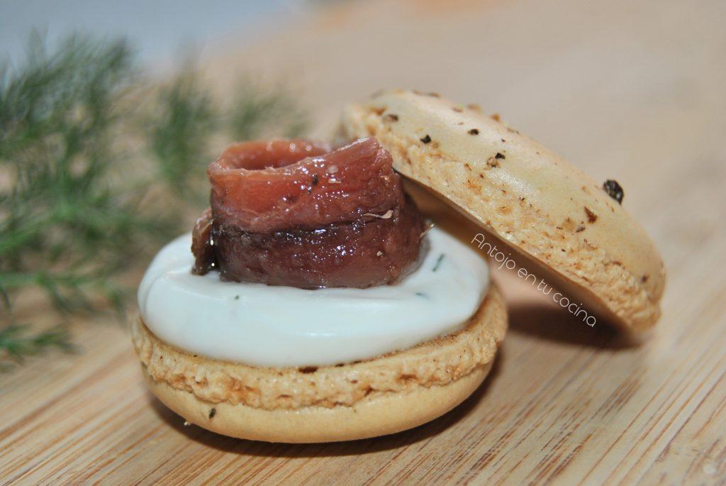 macarons de anchoa y queso crema