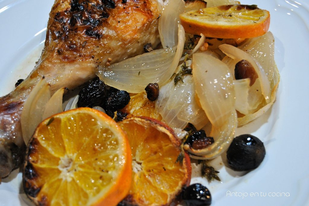 Roasted chicken with tangerine and raisins