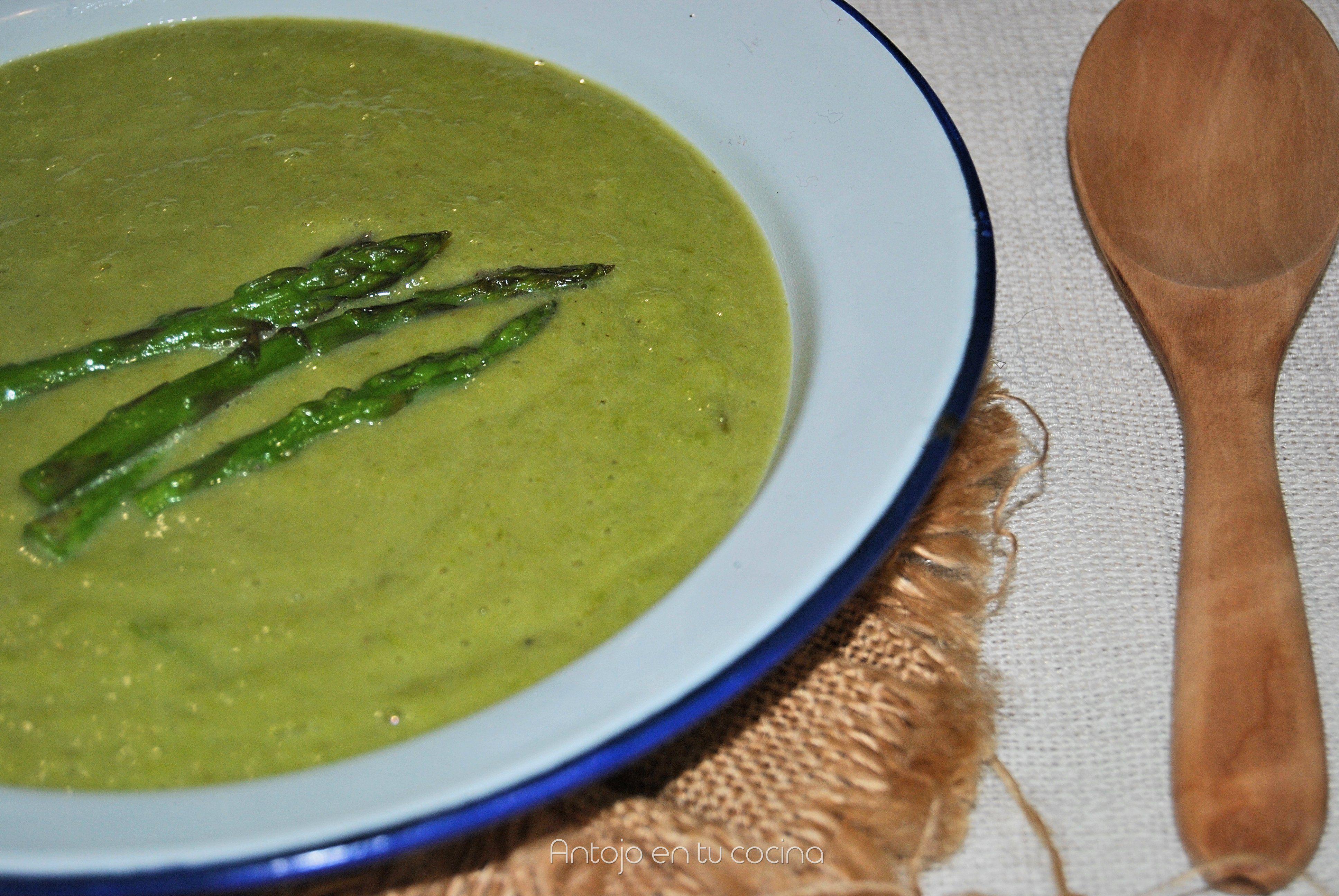 Crema de esp rragos verdes antojo en tu cocina for Cocinar esparragos