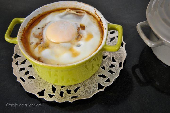 Huevos al plato con verduras