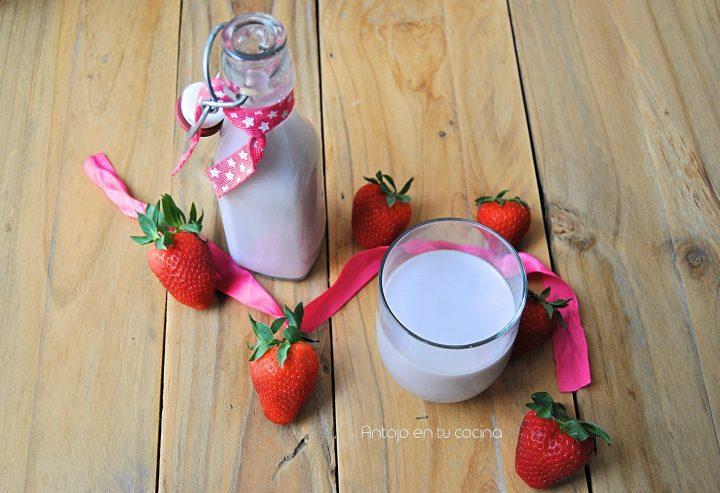 leche vegetal de anacardos y fresa
