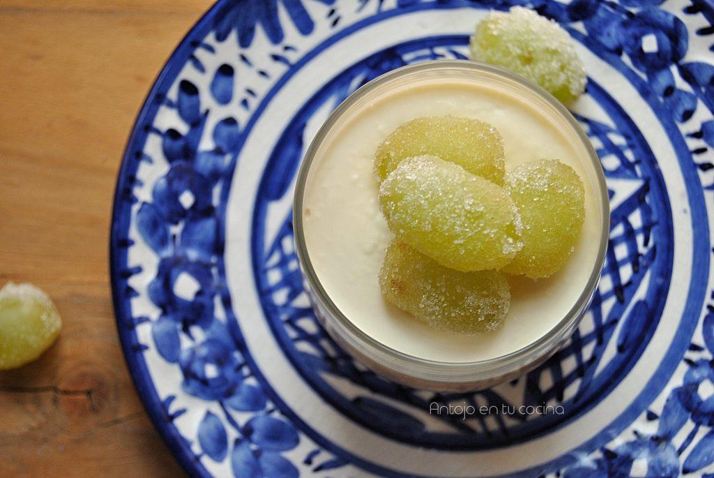 panna cotta miel uvas escarchadas