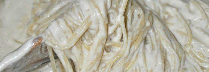 Pasta con salsa cremosa de coliflor