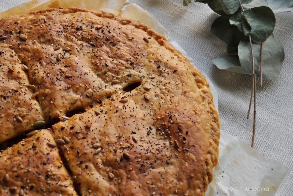 Empanada de atún fácil {con masa de hojaldre}