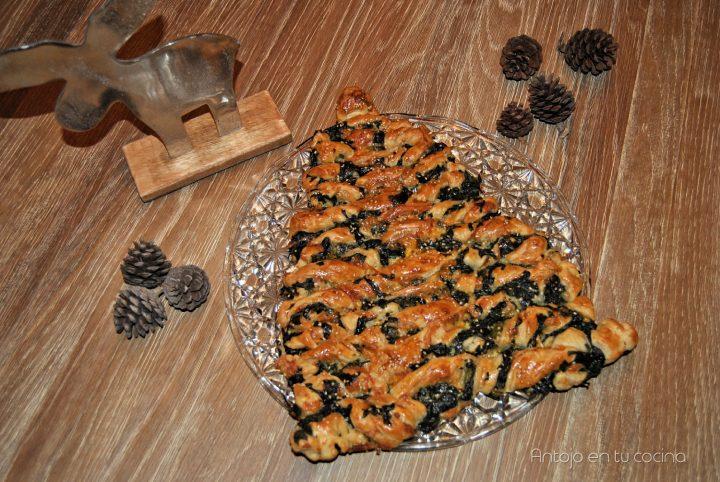Árbol de navidad de hojaldre con espinacas y queso