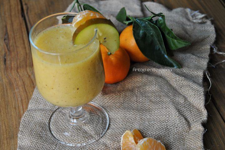 Batido de mandarina y kiwi amarillo