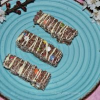 Barritas de arroz inflado con chocolate y lacasitos