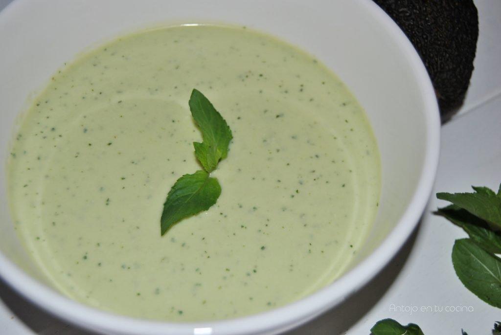 sopa fría fácil sin cocinar