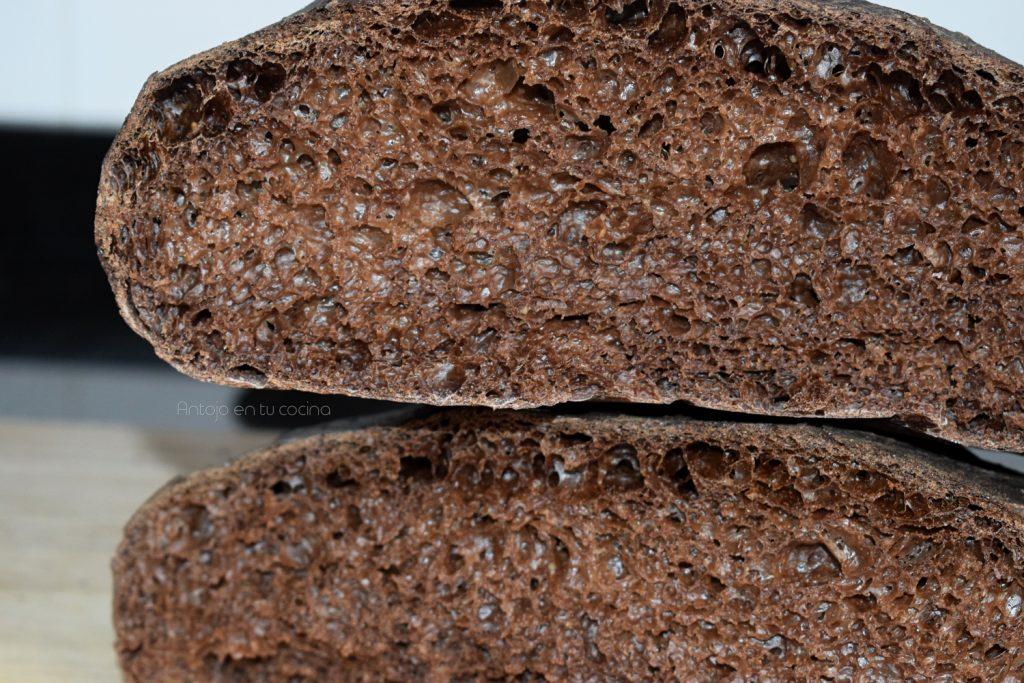 Pan con harina de algarroba