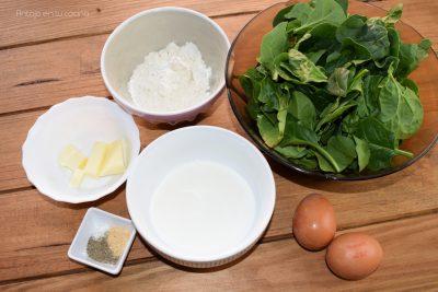 crepes espinacas y pollo con salsa de queso
