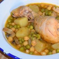 guiso de pollo con garbanzos