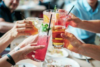 8 ideas para cócteles refrescantes: el postre perfecto para este verano