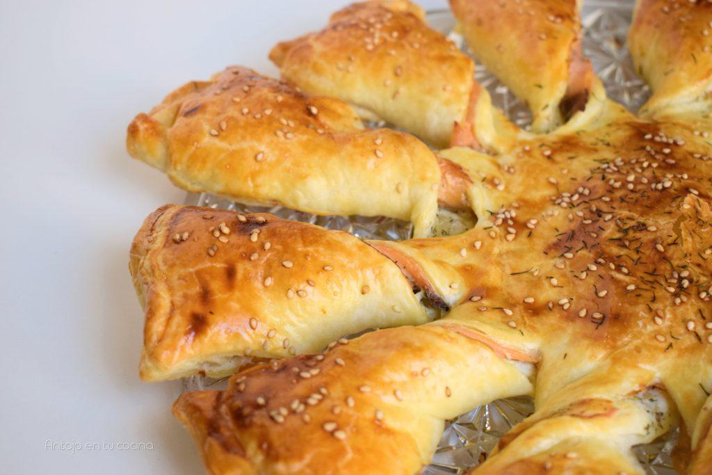 hojaldre salmón ahumado y queso crema