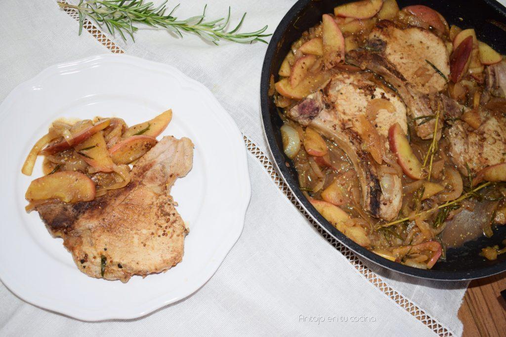 Chuletas de lomo de cerdo con manzana