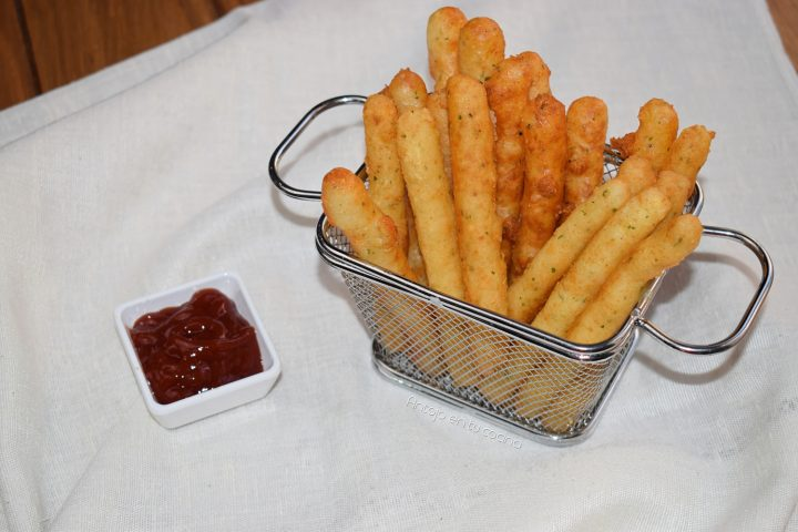 Palitos de patata y queso ¡muy crujientes!