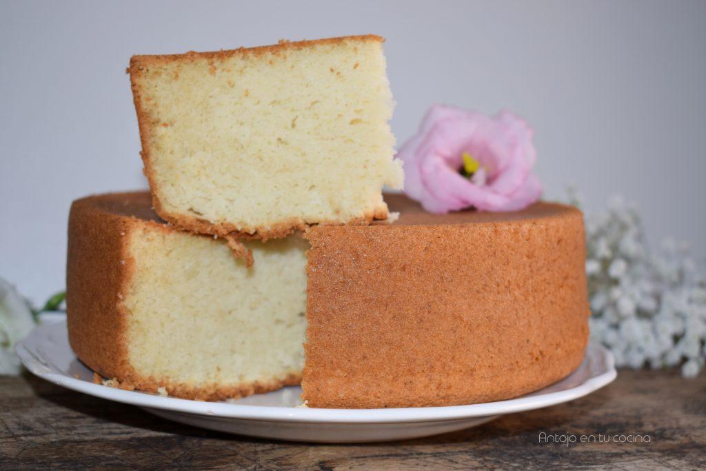 Bizcocho de vainilla básico para pastel o cupcakes, Fácil y Esponjoso